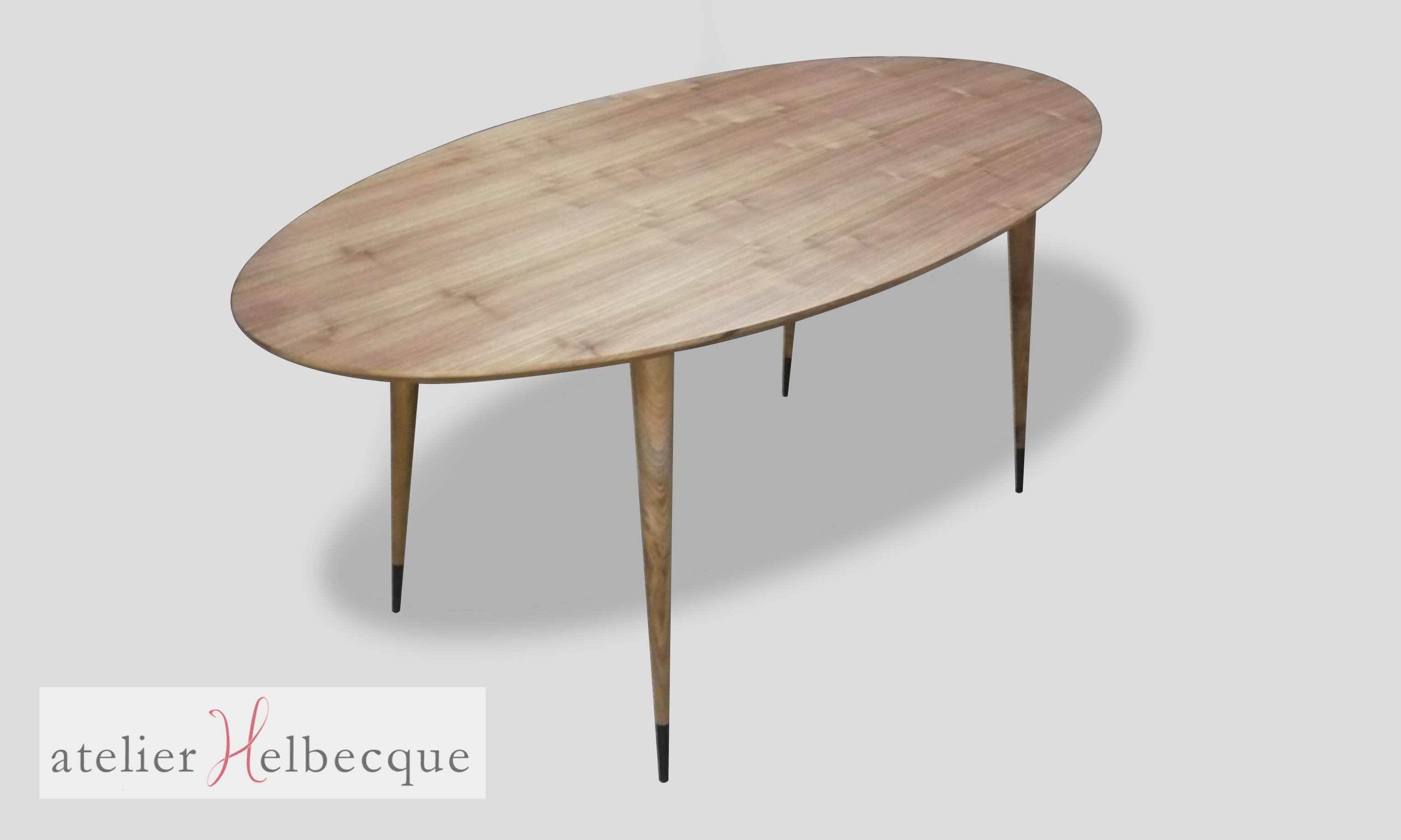 Table Basse Ovale Pied Tulipe