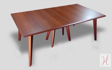 Grande table à rallonges